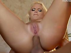 Horny girlfriend deepthroat cum swallow