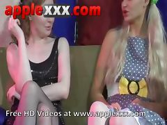 Mature brunette lesbian uses strapon on blonde teen