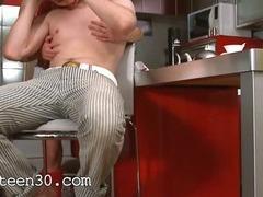 Kitchen analhole sex during cofee break