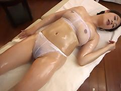 Japanese MILF massages and fuck during her trip to the spa