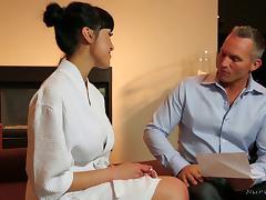 Busty Jayden Lee uses her titties in a body massage