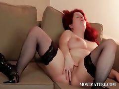 Mature bitch masturbates pussy