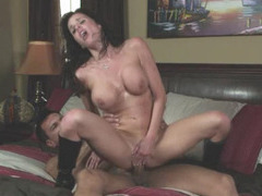 Super horny big titted milf Veronica Avluv fucked until she gets an orgasm