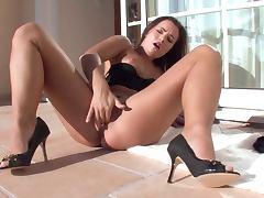 Gorgeous Euro Babe Jana Mrazkova Fingering Her Tight Shaved Pussy