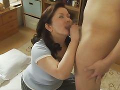 Chubby Mature Japanese Chizuru Iwasaki Pleasing a Cock