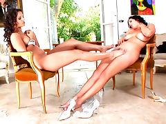 Eve Angel is licking feet of Jelena Jensen