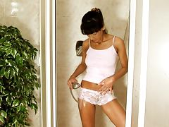 Hot masturbation in the shower by an exotic bunny Nola
