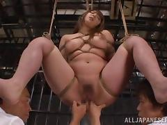 Tied not far from Shiori Kamisaki gets threesomed in a prison apartment