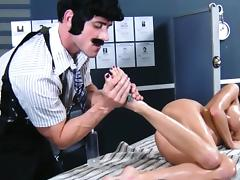 Gia Dimarco fingered close up by masseur